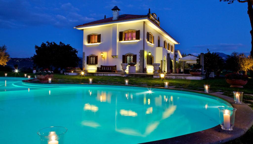 villa con piscina per matrimonio